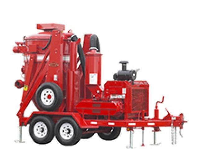 red Hurricane 600 Trailer-Mounted Vacuum